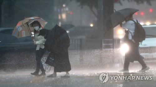 """제주 시작으로 전국에 거센 비바람 몰아친다…""""침수·붕괴 유의"""""""