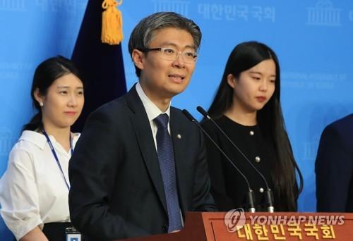 재벌임원·대통령손자에 탈북민까지…보좌관세계의 진화