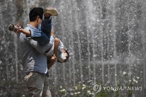 일요일 전국 '찜통더위'…서울 낮 최고 30도