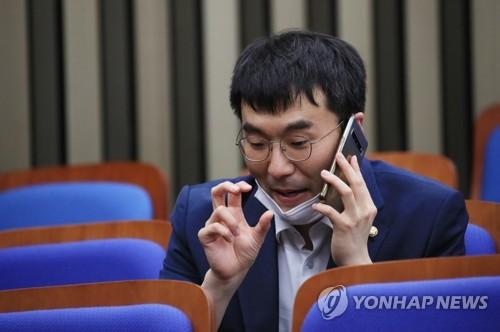 """최강욱, 윤석열 야권 주자 부상에 """"기가 막히는 일""""(종합)"""