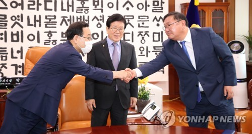주호영'후반기 법사위' 요구…박의장'후반기 집권당 몫'제안