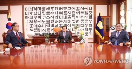 주호영 '후반기 법사위' 요구…박의장 '후반기 집권당' 제안(종합)