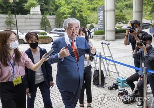 """'국민참여재판' 받겠다는 전광훈…법원 """"신청기한 지나 안된다"""""""