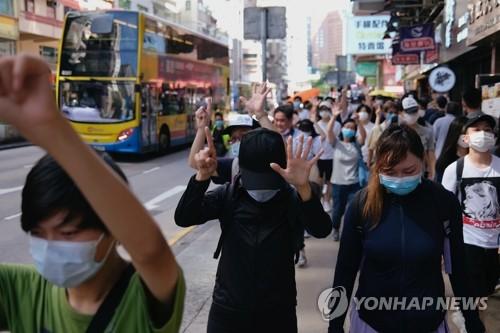 홍콩보안법 앞두고 '으름장'…홍콩주둔 중국군 '저격 훈련' 공개