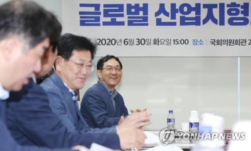 민주, 전 삼성전자 사장 불러 '글로벌산업' 열공