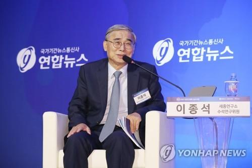 """[평화심포지엄] """"남북미 화상정상회담 필요""""·""""서울·평양에 대표부를"""""""