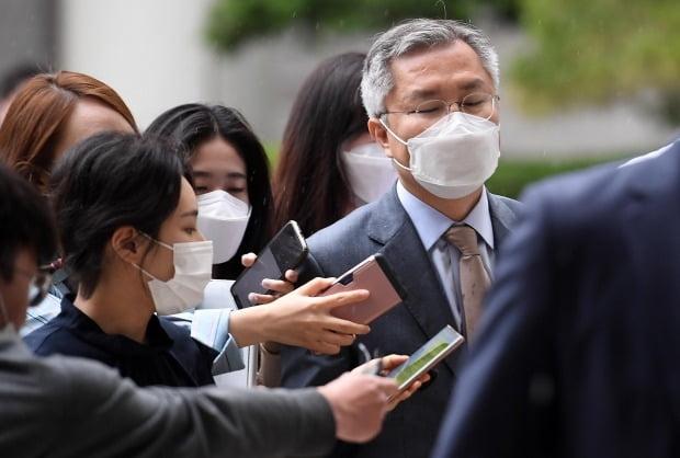 법원 떠나는 최강욱 열린민주당 대표 (사진=연합뉴스)