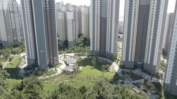 인천 영종국제도시의 아파트 전경(자료 한경DB)