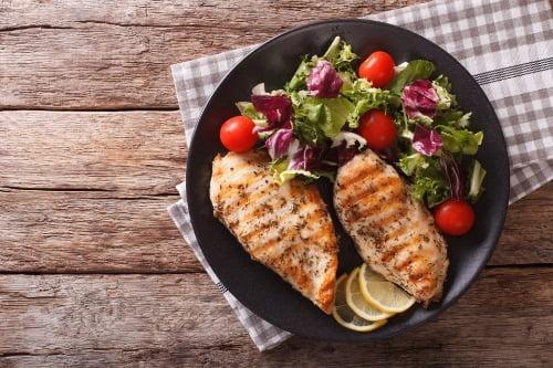 롯데마트는 '고기 대신' 시리즈를 통해 식물성 대체육 상품을 선보이고 있다. 사진=롯데쇼핑.