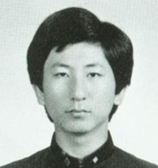 이춘재의 고등학교 졸업 사진 [사진=연합뉴스]