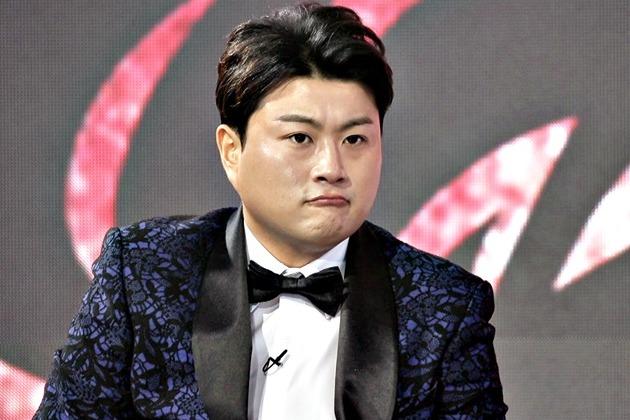 """스폰서 의혹 받는 김호중 <br>""""더 이상은 못 참아"""""""