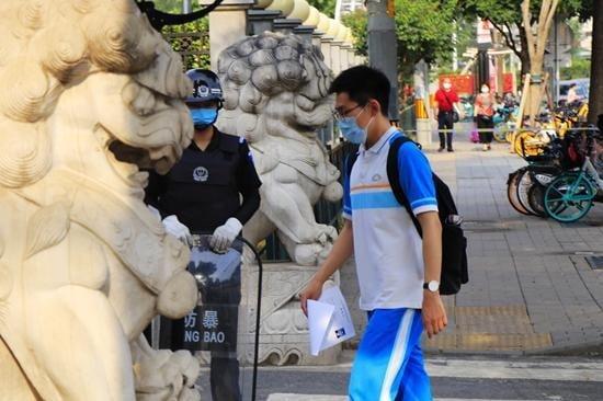 신종 코로나바이러스 감염증(코로나19) 여파로 한달간 연기됐던 중국의 대학 입학시험 '가오카오'(高考)가 오는 7일부터 중국 전역에서 개시됐다. 사진=시각중국