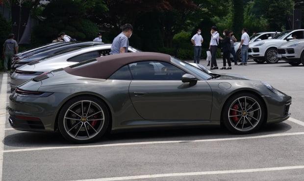 포르쉐 911 카레라 4S 카브리올레의 측면 모습. 사진=포르쉐 코리아