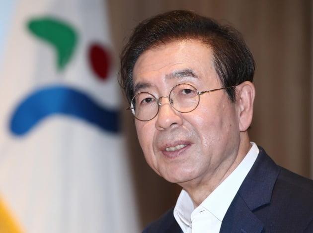 박원순 서울시장이 사망하면서 범여권 인사들은 10일 SNS를 통해 고인을 애도했다. [사진=연합뉴스]