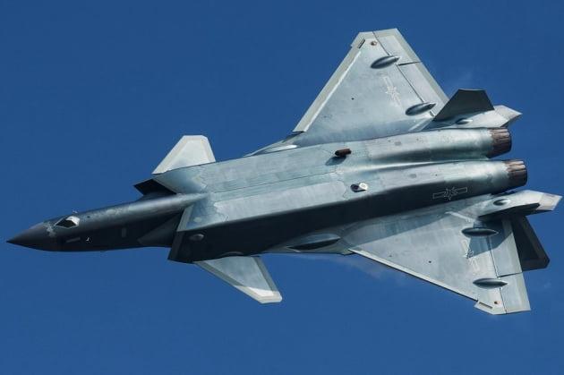 美 'F-35' 맞서 中 스텔스 전투기 'J-20' 대량 생산 들어가