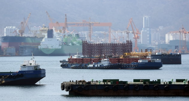 갈길 바쁜데…유럽연합(EU), 현대중공업-대우조선해양 기업결합 심사 세번째 유예