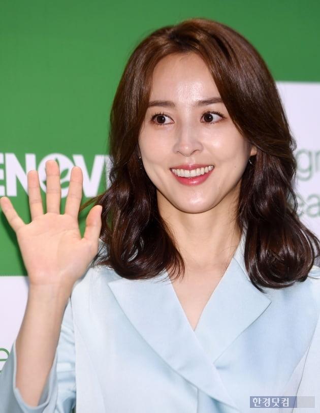 [포토] 한혜진, '손바닥만한 얼굴 크기'