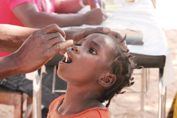 1000원으로 아프리카 아이들의 생명 살리는 코이카 '국제질병퇴치기금'