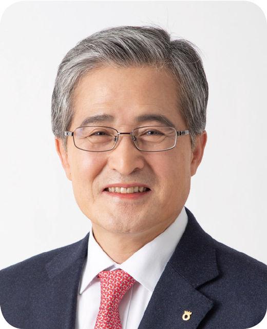 [100대 CEO] 홍재은 NH농협생명 대표, 경영 인프라 혁신하고 '가치 경영' 실현