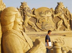 [이 아침의 풍경] 모래로 빚은 예술혼