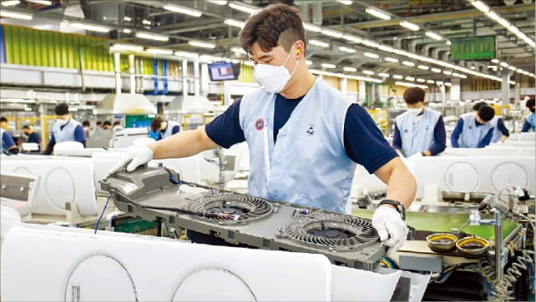 삼성전자 광주 사업장 무풍 에어컨 생산라인. 삼성전자 제공