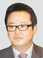 '인보사 사태' 이웅열 前 코오롱 회장 불구속 기소