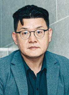 """""""北 체제 붕괴 시뮬레이션 그려…영화 시리즈, 게임으로도 제작"""""""
