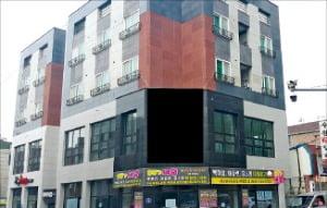 충남 천안시 대단지 아파트 정문 앞 상가주택