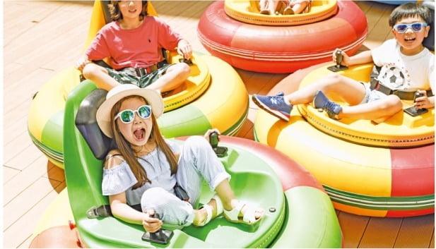 (2) 범퍼카 등 다양한 놀이시설을 갖춘 서울드래곤시티의 '리틀킹덤'