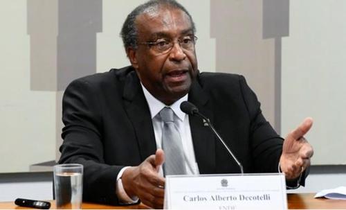 브라질 '거짓투성이 학력·경력' 논란 교육장관 닷새만에 낙마