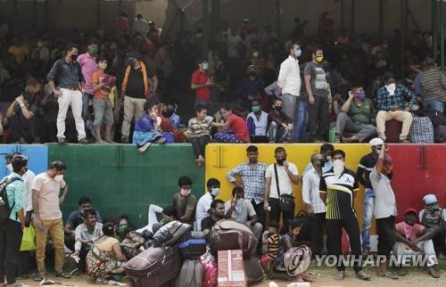 남아시아 누적 확진 100만명 넘어…폭증세는 미미하게 둔화 조짐