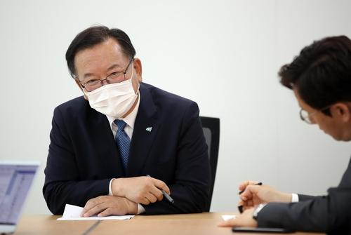 """김부겸 """"이낙연 대세? 文대통령 지지도 덕이지 민심 아냐"""""""