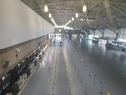 김해공항 국제선 셧다운 100일…출구 실종에 깊어지는 시름
