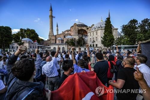 """에르도안 """"성소피아 모스크 전환은 내정…타국도 존중해야"""""""