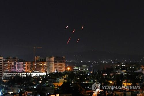 """시리아 """"이스라엘 미사일 공격으로 병사 7명 부상"""""""