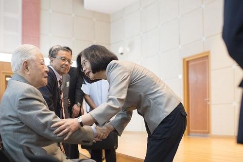 대만의 '미스터 민주주의'로 불린 리덩후이