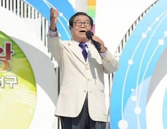 송해, '전국노래자랑' 40주년 기획 30대 편 불참…이호섭 대타