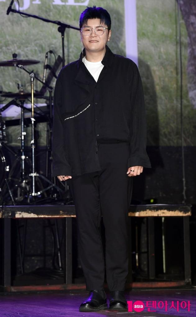 [TEN 포토] 신용재 '첫 번째 정규앨범 'Dear(디어) 발매'