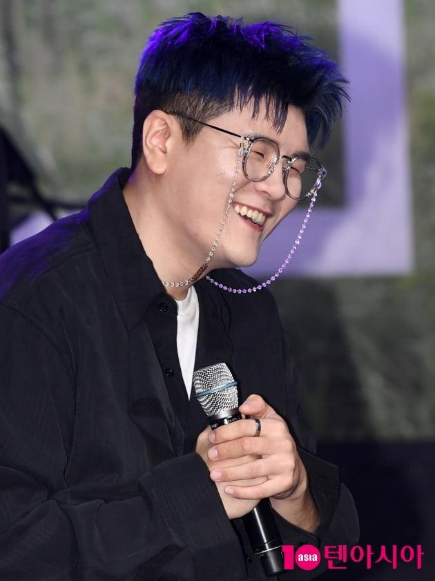 [TEN 포토] 신용재 '순박한 미소'(디어 쇼케이스)