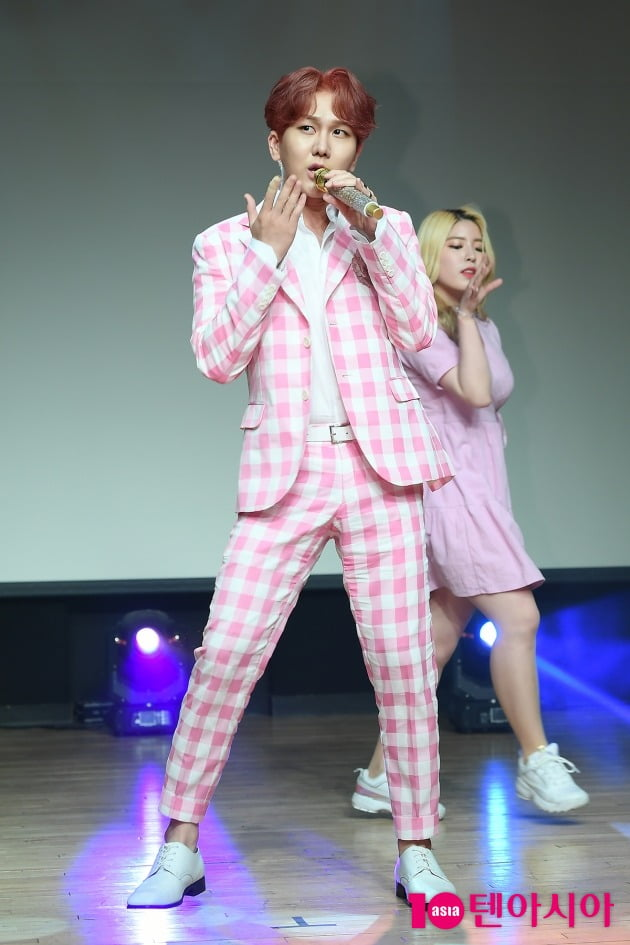 [TEN 포토] 김수찬 '감칠맛 나는 보이스'