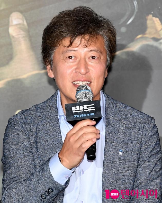 [TEN 포토] '반도' 권해효 '사단장으로 나와요'