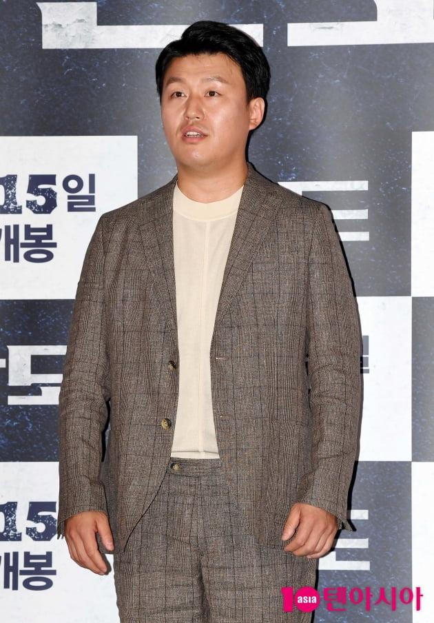 [TEN 포토] '반도' 김민재 '김의성 그분은 못넘어요'