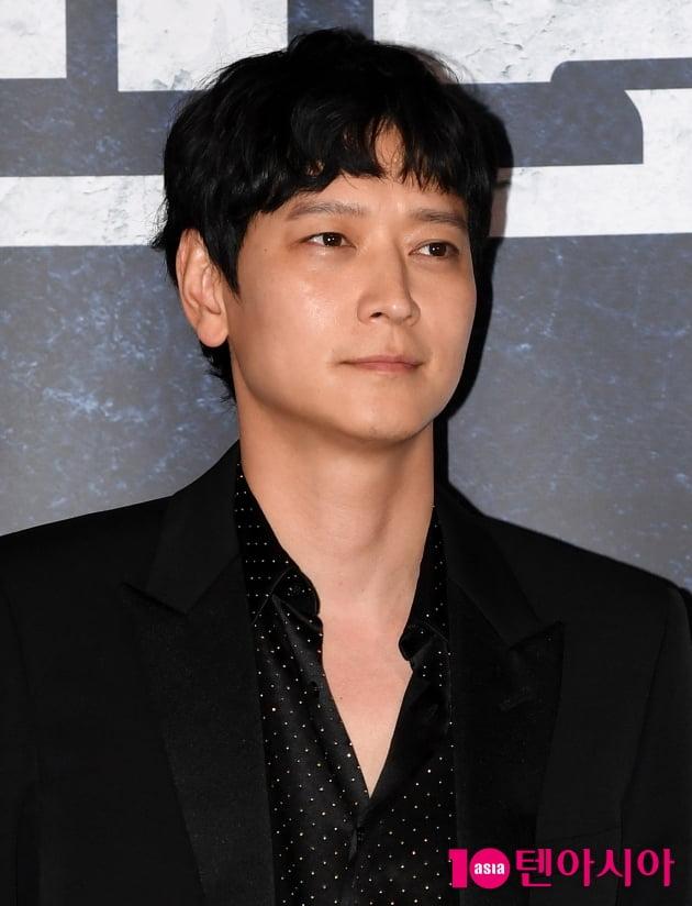 [TEN 포토] '반도' 강동원 '훈내 진동하는 외모'