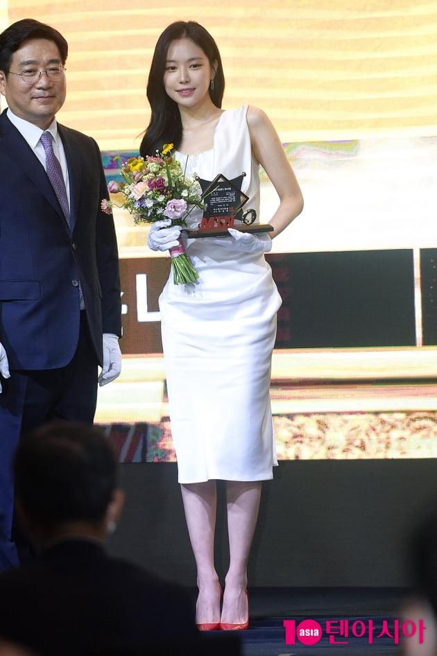 [TEN 포토] 손나은 '예쁨으로 똘똘 뭉친 비주얼'