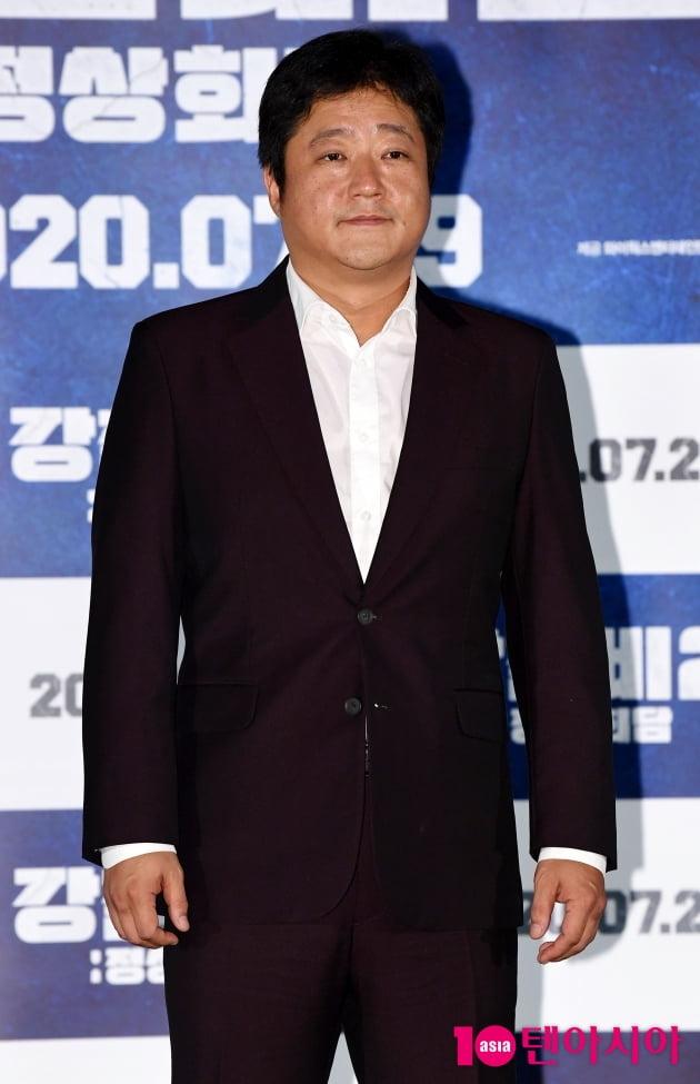 [TEN 포토] 곽도원 '포토타임은 미소로'(강철비2)