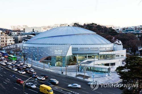 서울시, 체육시설 단계적 개방…관중석은 절반까지만 채워