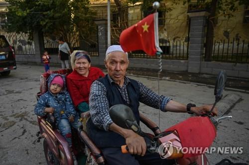 """""""중국의 위구르 산아제한은 인종청소"""" 서방에서 규탄 속출"""