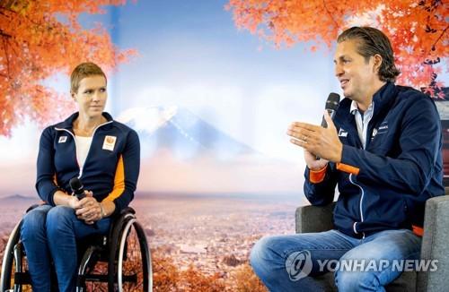 휠체어 테니스 최강자 베르히어, 유방암 이겨내고 '도쿄 준비'