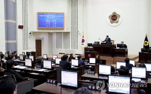 인천시의회 신임 의장에 신은호…후반기 의장단도 민주당 독식