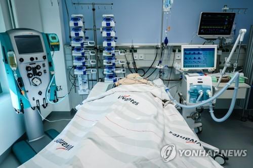 코로나19 부검결과…폐뿐만 아니라 뇌까지 해쳤다